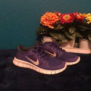 Nike Free 5.0 purple and gray tennis shoe